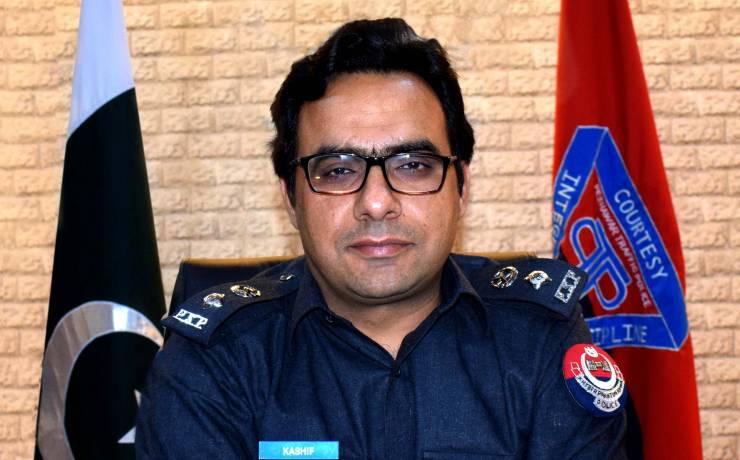 "Kashif Zulfiqar<br/> <p style=""font-size:14px"">Sr. Superintendent of Police (Traffic) Peshawar</p>"