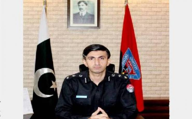 """Abbas Majeed Khan Marwat <br/> <p style=""""font-size:14px"""">Chief Traffic Officer, Peshawar</p><p style=""""font-size:12px; color:blue; """">Twitter: @abbasmaj</p>"""