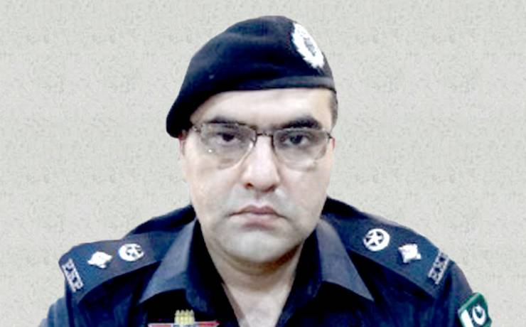 "Yasir Afridi<br/> <p style=""font-size:14px"">Sr. Superintendent of Police (Traffic) Peshawar</p>"